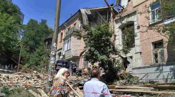 Взрыва газа в жилом доме в Киеве. Пострадали шесть человек и двое погибли в результате инцидента.