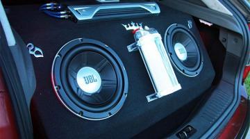 Аудиосистема автомобиля: как выбрать сабвуфер