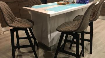 Кому поручить перетяжку и ремонт стульев в Киеве