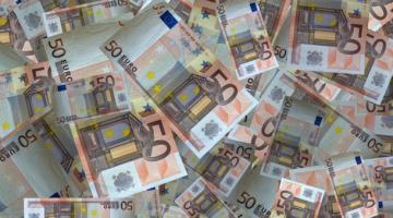 Миллион евро нашли в попавшем в ДТП фургоне в Испании