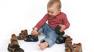 Выбираем подходящую обувь для мальчиков