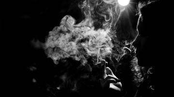 Курение объяснили искаженной схемой тела
