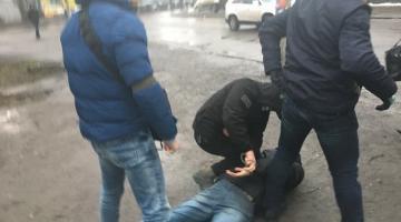 В Ровно разоблачили банду, члены которой выдавали себя за военнослужащих ВСУ