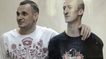 ФСБ шантажирует Кольченко и навязывает ему российский паспорт
