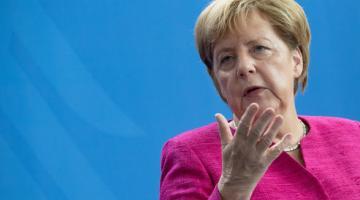 Порошенко анонсировал визит Меркель в Киев