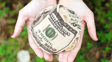 Нужны ли украинцам деньги Запада: аналитики озвучили статистику