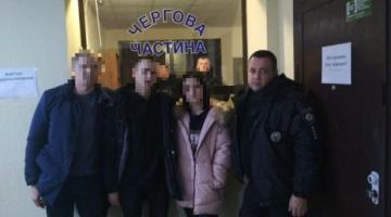 Столичных подростков, сбежавших из дома с деньгами, нашли в Одесской области