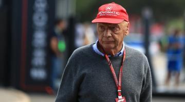 У легендарного гонщика Ники Лауды воспалилось легкое, пересаженное полгода назад