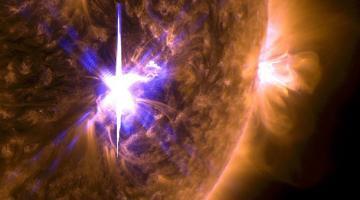 Мощные вспышки на Солнце. Главные угрозыСюжет
