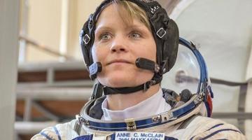 NASA готовит первый выход женщин в открытый космос