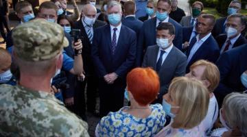 В Кривом Роге Зеленский встретился с ветеранами ООС и матерями погибших бойцов