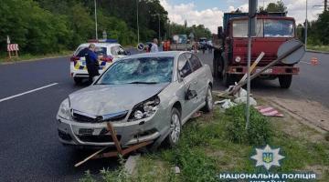 В Киевской области автомобиль сбил наносивших разметку работников дорожной службы, есть погибший и пострадавшие