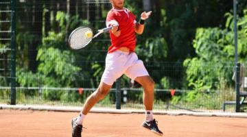 Украинские теннисисты праздновали победы на старте турниров в Индии и Франции