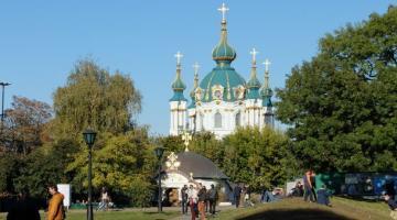 Порошенко объяснил различие между Украинской и Русской церквями