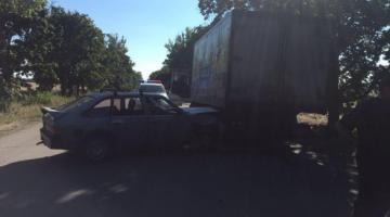 В Харьковской области легковушка столкнулась с грузовиком, среди травмированных - пятеро детей