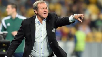 Еще один соперник Украины в Лиге Наций уволил тренера