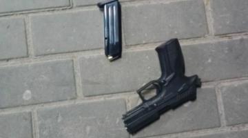 В Киевской области мужчина устроил стрельбу возле магазина