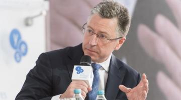 Волкер заявил, что Украина может рассчитывать на новые поставки оружия из США