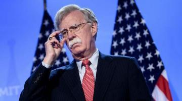 США готовы защищать Украину от вмешательства России в выборы – Болтон