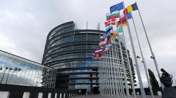 Прогноз эксперта по Донбассу и миграционный кризис в ЕС: главные цитаты недели