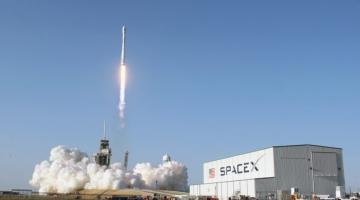 Ступени Falcon 9 будет сажать робот
