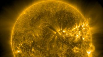 #видео дня | Агентству NASA удалось запечатлеть «плевок Сатаны»