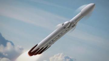 SpaceX отправит людей к Луне в 2018 году