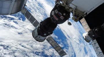 Диверсия или оплошность? СМИ сообщили, откуда в космическом корабле «Союз» оказалась дыра
