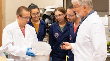 UCF продает экспериментальную марсианскую почву