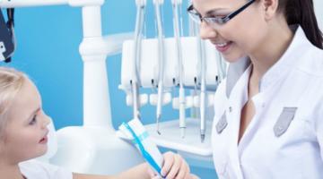 Как защитить от кариеса детские зубы: практика Великобритании и другие подсказки