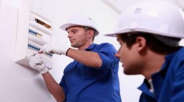 Установка распределительной панели электричества в доме - пошагово