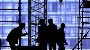 Турецких рабочих, возмутившихся низкой зарплатой в России на стройках саммита АТЭС, выслали домой