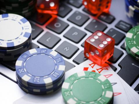 Как выбрать онлайн-казино. Что насчет Азино777? - Независимый портал.Сейчас очень популярным среди любителей азартных игр является онлайн-казино,  это действительно возможность испытать удачу, получить море адреналина и ...